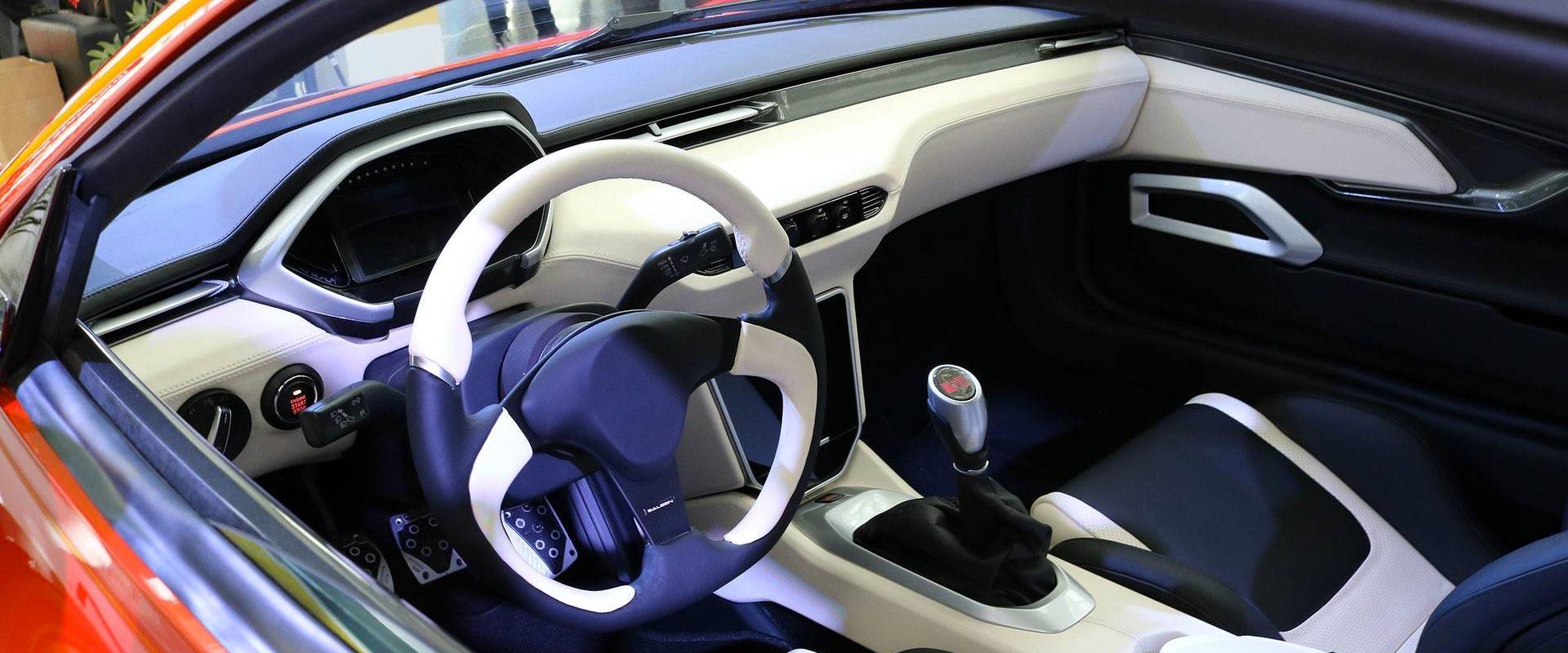 En S1 La Auto Show Car Interior